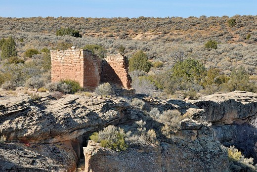 Historical construction of the Ancestral Puebloans, Rim Rock House, around 1200 AD, Little Ruin Canyon, Hovenweep National Monument, Colorado, USA : Stock Photo