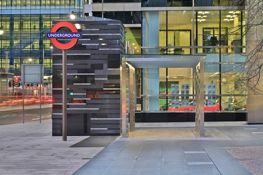 Modern hut at Canary Wharf underground station, Docklands, London, England, UK, Europe : Stock Photo