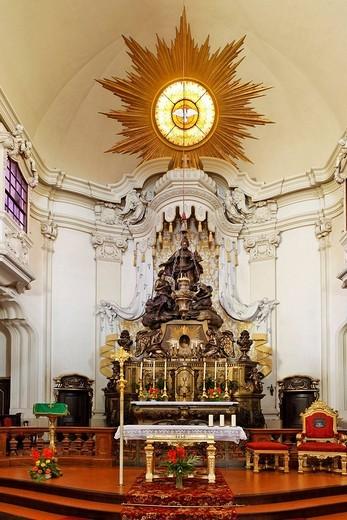 Stock Photo: 1848-32325 High altar and statue of St. Margaret of Scotland, Margaretenkirche St. Margaret´s Church, Berndorf, Triestingtal, Lower Austria, Austria, Europe