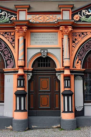 Entrance to the Cranach building with information sign, house of Lucas Cranach the Elder, Weimar, Thuringia, Germany : Stock Photo