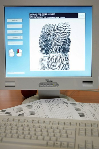 DEU, Germany, Muenster, 28.09.05 : Live Fingerprint scanning by the police. Presented on the international police fair and trade show IPOMEX. , : Stock Photo