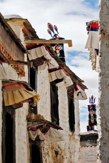 Small lane, Palcho Monastery or Pelkor chode or Shekar, Gyantse, Tibet : Stock Photo