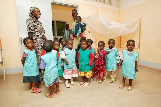 Kindergarten class visiting a hospital, Garoua, Cameroon, Africa : Stock Photo