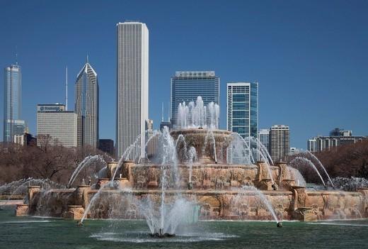 Stock Photo: 1848-3441 Buckingham Fountain in Grant Park, Chicago, Illinois, USA