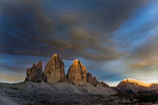 Tre Cime di Lavaredo, Three Peaks, cloudy atmosphere, Sexten Dolomites, Alto Adige, Italy, Europe : Stock Photo