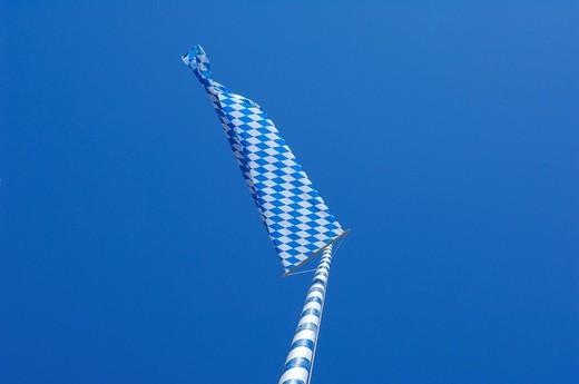 Stock Photo: 1848-35822 Maypol with bavarian flag, Schlacht, County of Ebersberg Upper Bavaria, Bavaria, Germany