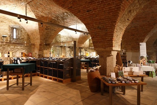 Wine bar in the old wine cellar of the Klosterneuburg Monastery, Lower Austria, Europe : Stock Photo