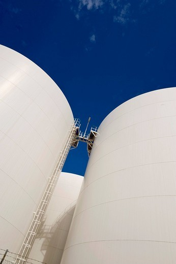 Stock Photo: 1848-38489 Storage tanks of the Company Unitank for fuel oil and diesel fuel, Berlin, Germany, Europe