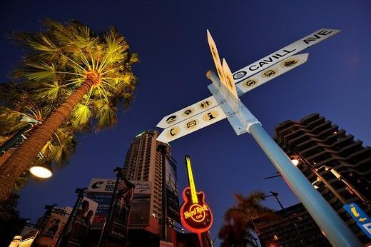 Hard Rock Cafe, night shot, Surfers Paradise, Gold Coast, New South Wales, Australia : Stock Photo