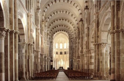 Stock Photo: 1848-401183 Interior of the Basilique Sainte_Marie_Madeleine Basilica of St. Mary Magdalene, Vezelay, Yonne, Burgundy, France, Europe