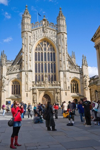 The Abbey Church of Saint Peter and Saint Paul, Bath Abbey, from Abbey Churchyard, Bath, Somerset, England, United Kingdom, Europe : Stock Photo