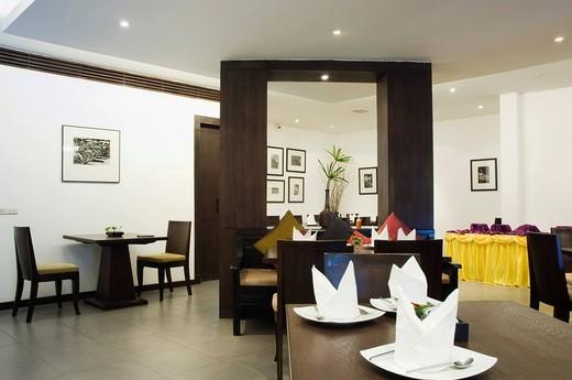 Restaurant in the Regent Park Hotel, Phnom Penh, Cambodia, Indochina, Southeast Asia : Stock Photo