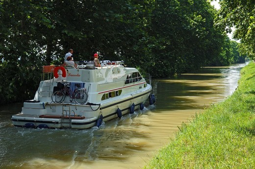 Canal de la Robine, Narbonne, Aude, Languedoc_Roussillon, France : Stock Photo