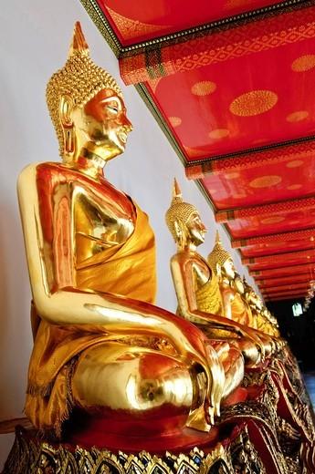 Largest collection of Buddha statues, Wat Pho, Bangkok, Thailand, Asia : Stock Photo