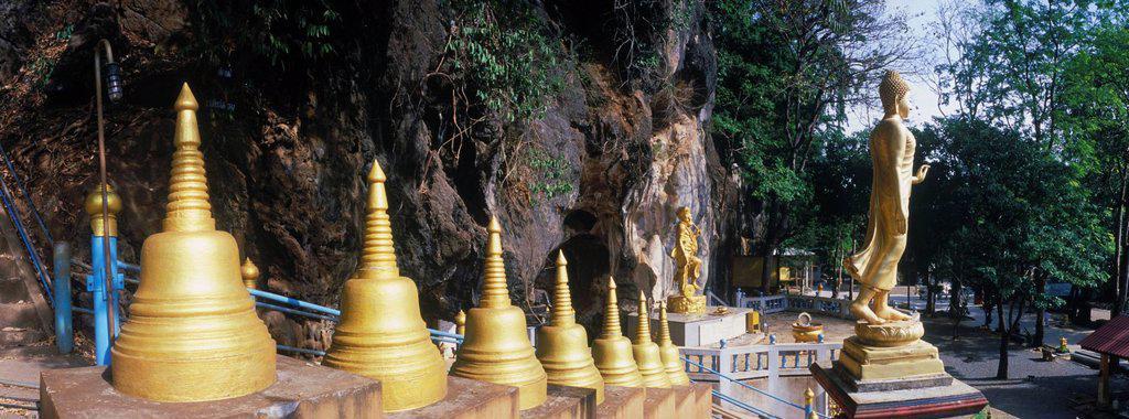 Stock Photo: 1848-402748 Tiger Cave Temple, Wat Tham Sua Temple, Krabi, Thailand, Asia