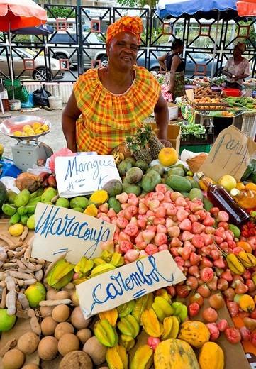 Market, Marche de la Darse, Pointe_a_Pitre, Guadeloupe, French Antilles, Lesser Antilles, Caribbean : Stock Photo