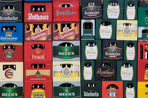 Stock Photo: 1848-404777 Piled up beer crates, different brands, full frame