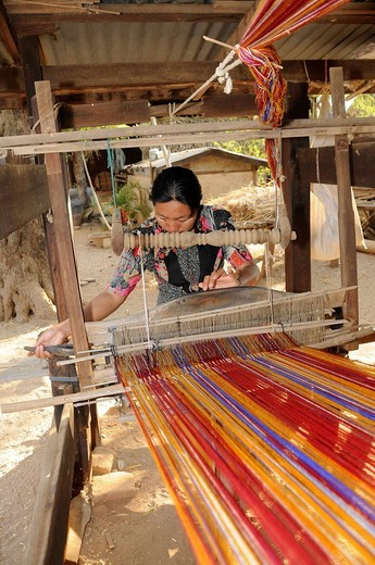 Loom on a farm in a village near Bagan, Myanmar, Burma, Southeast Asia, Asia : Stock Photo