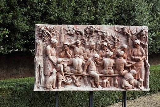 Ceramic relief, wine drinkers in the Horti Leonini Park, San Quirico d´Orcia, Tuscany, Italy, Europe : Stock Photo