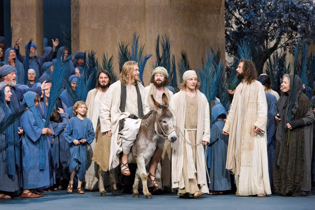 Stock Photo: 1848-407695 Entry into Jerusalem on a donkey, Jesus, people, crowd scene, pilgrims from Israel, Passion Play 2010, Oberammergau, Bavaria, Germany, Europe