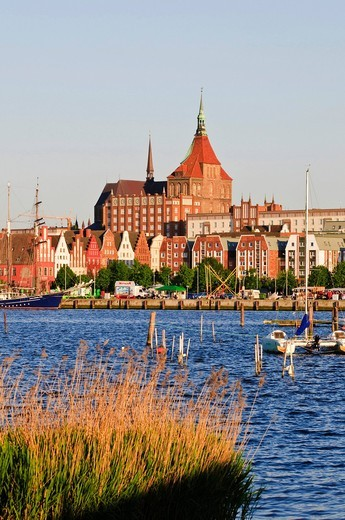 Stock Photo: 1848-408246 Old town with the Marienkirche church, Warnow river and harbour, Rostock, Mecklenburg_Western Pomerania, Germany, Europe