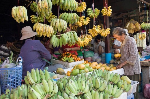 Stall selling bananas, Old Market, Psar Chas, Siem Reap, Cambodia, Indochina, Southeast Asia, Asia : Stock Photo