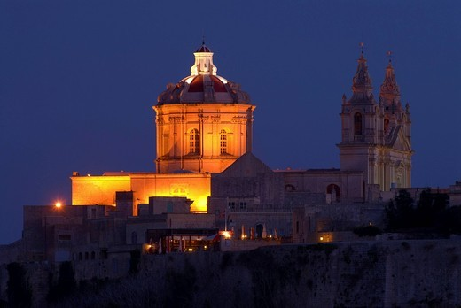 Mdina Cathedral illuminated at night, Mdina, Malta, Europe : Stock Photo