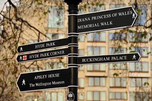 Stock Photo: 1848-410293 Sign Diana Princess of Wales Memorial Walk, near Knightsbridge, London, England, United Kingdom, Europe