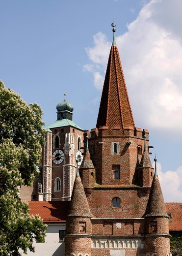Kreuztor gate tower and Liebfrauenmuenster Church of Our Lady, landmark, Ingolstadt, Bavaria, Germany, Europe : Stock Photo