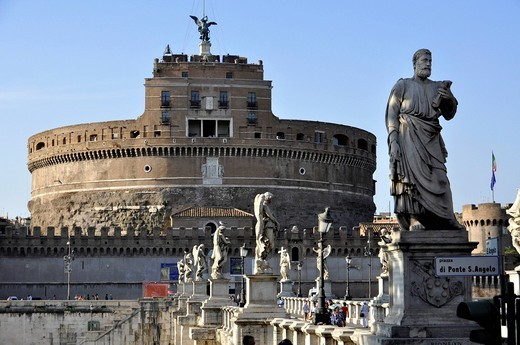 Statue of the apostle Peter on the Ponte Sant´Angelo, Bridge of Angels, Castel Sant´Angelo, Castle of Angels, Rome, Lazio, Italy, Europe : Stock Photo