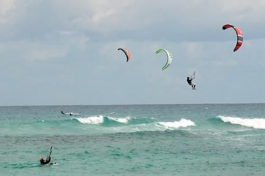 Kitesurfers at the Playa Bajo Negro beach, Corralejo, Fuerteventura, Canary Islands, Spain, Europe : Stock Photo