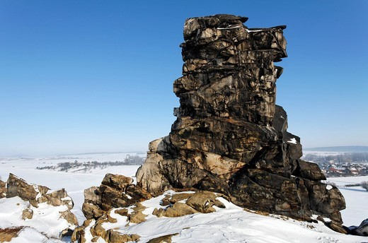 Wild, rugged bizarre rocks, snowy, Teufelsmauer wall near Wedersleben, Neinstedt, Northern Harz, Saxony_Anhalt, Germany, Europe : Stock Photo