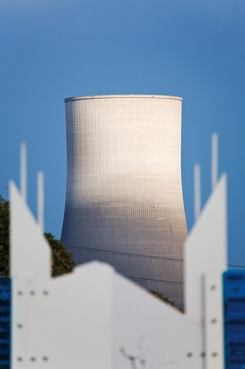 View over the noise protection wall of the Raiffeisenbruecke Bridge, Neuwied, cooling tower of the closed nuclear power plant in the back, Muehlheim_Kaerlich, Rhineland_Palatinate, Germany, Europe : Stock Photo