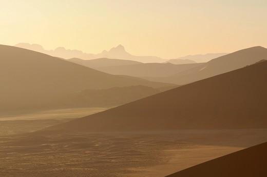 Morning atmosphere, view from Dune 45 on dunes at Sossusvlei, Namib_Naukluft Park, Namib Desert, Namibia, Africa : Stock Photo