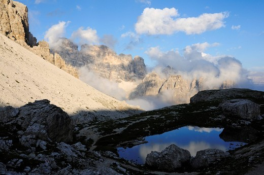 View from Patern Pass to Croda dei Toni or Zwoelferkofel, Alta Pusteria, Sexten Dolomites, South Tyrol, Italy, Europe : Stock Photo