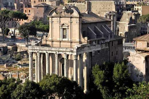 Stock Photo: 1848-414707 Temple of Antoninus and Faustina or Church of San Lorenzo in Miranda, Forum Romanum, Roman Forum, Rome, Lazio, Italy, EuropeEurope