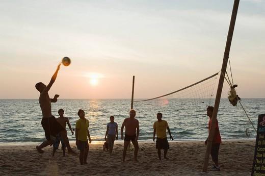 Beach volleyball at sunset, Long Beach, Phra Ae Beach, island of Ko Lanta, Koh Lanta, Krabi, Thailand, Asia : Stock Photo