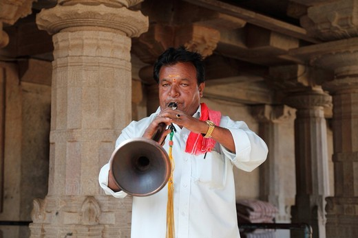 Stock Photo: 1848-417812 Nadaswaram musician, Jain temple on Vindhyagiri Hill, Shravanabelagola, Karnataka, South India, India, South Asia, Asia