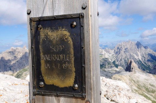 Commemorative plaque for Sepp Innerkofler on the summit of Mt. Paternkofel, Hochpustertal, Sexten Dolomites, South Tyrol, Italy, Europe : Stock Photo