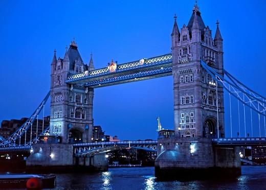 Tower Bridge over the River Thames at dusk, blue hour, London, England, United Kingdom, Europe : Stock Photo