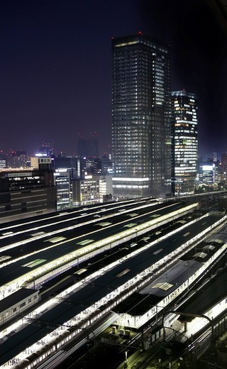 Stock Photo: 1848-42057 JR_Line regional train and platforms, Tokyo Station, Tokyo, Japan, Asia