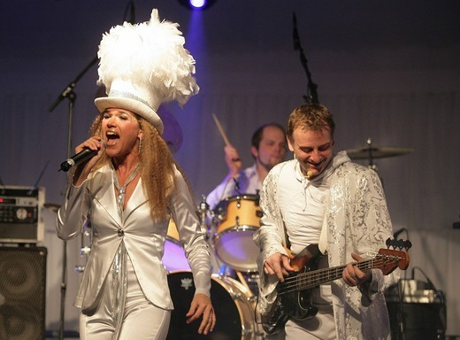 Comedian Anke Engelke with her Band Fred Kellner and the famous Soul_Sisters : Stock Photo