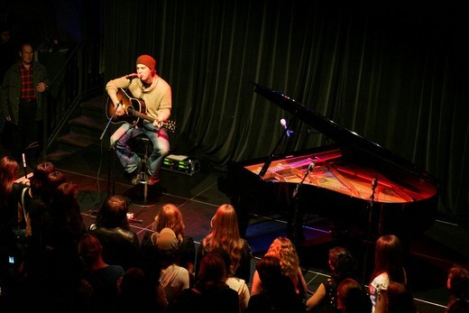 US singer and songwriter Gavin DeGraw live in the Casineum Club in the Grand Casino Luzern, Lucerne, Switzerland : Stock Photo