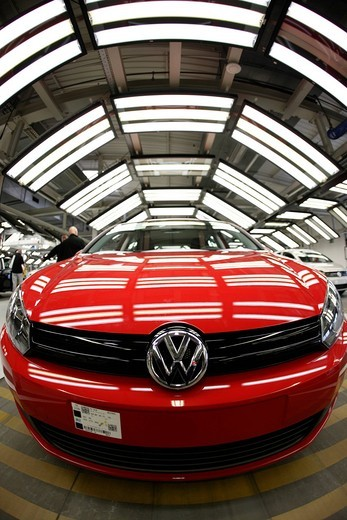 Stock Photo: 1848-421632 Golf car production, VW plant in Wolfsburg, Lower Saxony, Germany, Europe