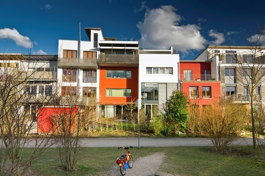 Stock Photo: 1848-421967 Low energy houses in the Vauban district, designed for the EXPO 2010 in Shanghai, Freiburg, Breisgau, Baden_Wuerttemberg, Germany, Europe