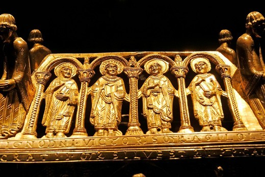 Four apostle figures, gilded shrine, Stiftsmuseum Museum Xanten monastery museum, Xanten, Niederrhein region, North Rhine_Westphalia, Germany, Europe : Stock Photo