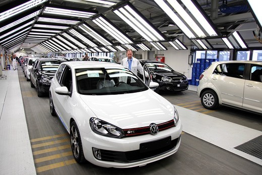 Volkswagen AG, production of passenger cars in the Wolfsburg plant, final inspection of a Golf Vi directly before shipping, Wolfsburg, Lower Saxony, Germany, Europe : Stock Photo