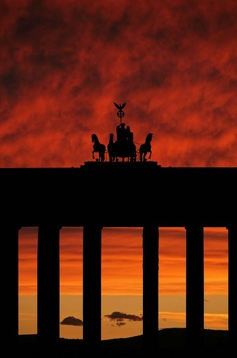 Brandenburg Gate at sunrise, Berlin, Germany, Europe : Stock Photo