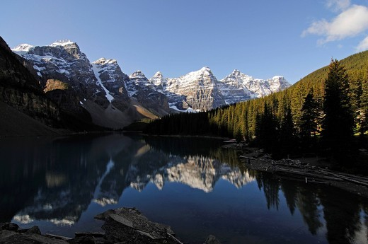Stock Photo: 1848-424329 Moraine Lake, Banff National Park, Alberta, Canada