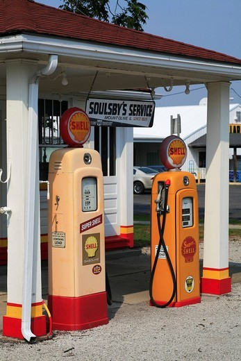 Soulsby´s Service Station on the historic Route 66, Mount Olive, Illlinois, USA : Stock Photo